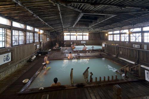 酸ヶ湯温泉 - ヒバ千人風呂